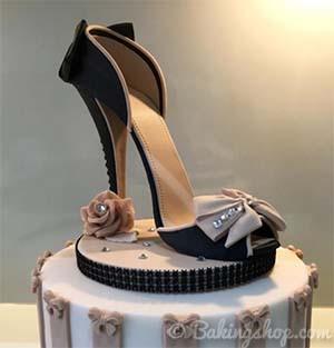 6db3c3cd26 Shoe Cake Topper