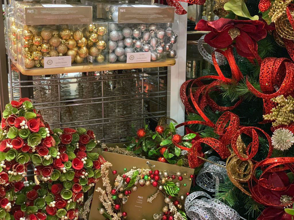 pier1imports holiday decor