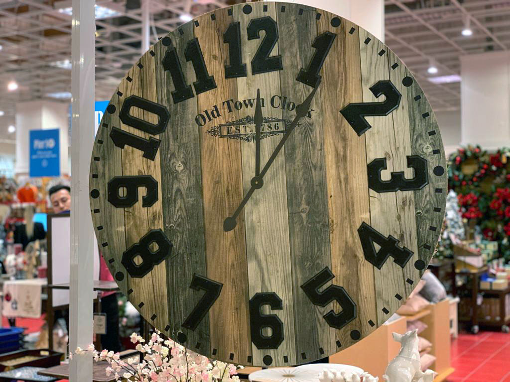 pier1imports old town clock
